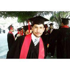 Hace no mucho tiempo cuando me graduaba de #Facpya como Administrador. #Tbt #prom #graduate #sincachetes #picoftheday #uanl #university #amazing #fun