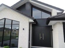 Premier Country Brick Straight Edge in White - House bricks NZ premium house brick cladding, brick house exterior,house brick ideas,house brick colors,house bricks design Brick Cladding, House Cladding, Brick Facade, Exterior Cladding, Facade House, House Exteriors, Grey Brick Houses, Brick House Colors, Dream House Exterior