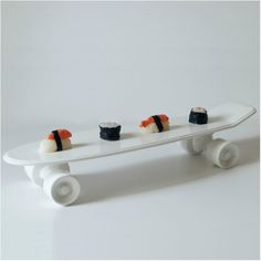 Buy Skateboard Porcelain Tray - White from Seletti. Porcelain Tray in the shape of a skateboard. Alex Prager, Modern Serving Trays, Bar Fancy, Skateboard Design, Skateboard Shop, Geek Gadgets, Cool Bars, Fine Porcelain, Creations