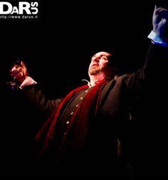 http://www.darus.it Darus evoca la magia durante il suo spettacolo.