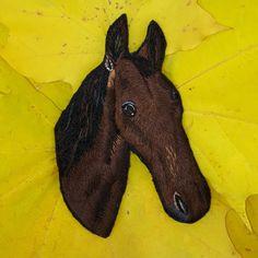 #лошадь #ручнаявышивка #вышивкагладью #брошка