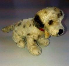 Wert von einem alten #Steiff-Hund? http://sammler.com/spielzeug/#Leserbriefe