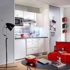 Cuisine Zen, portes et faces tiroirs en panneaux agglomérés de 16 mm, certififiés PEFC, recouverts par un papier mélaminé, chant ABS finition aluminium, disponible en blanc, gris anthracite et orchidée, 390,64 euros + 8,36 euros d'Eco-mobilier, Lapeyre
