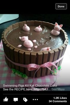 Cute kit Kat cake. I WANT IT NOOOOOOWWWW!!!!!! O_O