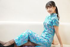 Traditional Chinese, Traditional Dresses, Kimono, Cheongsam, Beautiful Asian Girls, Asian Beauty, Bicycle, Fantasy, Fashion