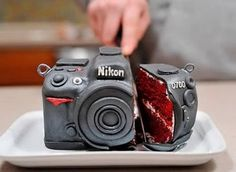 red velvet cake that looks exactly like a nikon camera. TheyCallMeDarbs red velvet cake that looks exactly like a nikon camera. red velvet cake that looks exactly like a nikon camera. Velvet Cake, Red Velvet, Unique Cakes, Creative Cakes, Creative Food, Creative Photos, Beautiful Cakes, Amazing Cakes, Bolo Tumblr