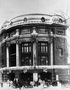 L'Auditorium, (maintenant Théatre du Capitole), vers 1910. Archives de la Ville de Québec (N010953). Quebec Montreal, Old Quebec, Quebec City, Photos Du, Old Photos, Les Cowboys Fringants, Grands Ballets Canadiens, Chute Montmorency, Chateau Frontenac