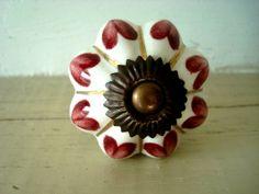 Bouton de porcelaine festonné coeur...