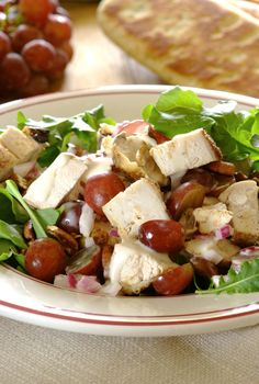 Tangy Chicken, Grape and Pecan Salad. A wonderfully refreshing dinner option served with steamed baby potatoes. The grapes add a delicious sweetness to the salad and the pecan nuts provide a good crunch. Pecan Nuts, Baby Potatoes, Dinner Options, Summer Food, Foods To Eat, Summer Recipes, Cobb Salad, Salads, Good Food