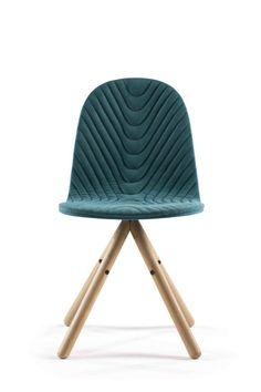 Mannequin chair by WertelOberfell