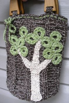 The Giving Tree a crochet wool handbag with OOAK tree by luvbuzz,  ***Cute!  I think I may be able to figure this out on my own.