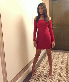 robi on perry tabora's post megan on martin bautista's post Liza Soberano diff post, same photo 🔥 wowz Liza Soberano Fashion Outfit, Classy Women, Sexy Women, Lisa Soberano, Little Red Ridding Hood, Prom Heels, Celebrity Outfits, Classy Outfits, Lady In Red