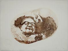 """Siempre Estarás Muy Dentro De Mí, Javier Azurdia, Guatemala: Es un grabado del rostro de Salvador Allende, con un contorno de detalles de paisajes dibujados por el autor, en el cual se puede entrever el extracto más conocido de su discurso de despedida: """"Mucho más temprano que tarde se abrirán las grandes alamedas por donde pase el hombre libre."""" Técnica: Fotograbado, aguafuerte, aguatinta y collagraph. Tamaño papel: 60 x 80 cms. Tamaño plancha: 40 x 60 cms. Papel: Velin Arches 300 grs."""