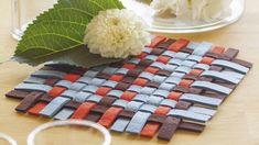 Topfuntersetzer aus Filzstreifen Nähanleitung Picnic Blanket, Outdoor Blanket, Products, Weaving, Felting, Sewing Patterns, Tutorials, Gifts, Crafting
