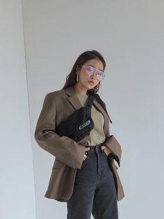 on the go outfits Asian Street Style, Korean Street Fashion, Asian Fashion, Cool Outfits, Casual Outfits, Fashion Outfits, Modest Fashion, Ulzzang Fashion, Fashion 2020