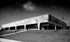 The University of São Paulo School of Architecture (FAU). João Batista Vilanova Artigas.