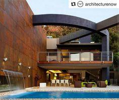 Acciaio #corten e una bella piscina con cascata... wow   #Repost @architecturenow with @repostapp