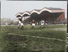 Charlton Ath 7 Huddersfield 6 in Dec 1957 at the Valley. Action from a 13 goal classic from Division Old Pictures, Old Photos, Huddersfield Town Fc, Charlton Athletic Football Club, City Rain, Football Stadiums, Man United, Arsenal, Liverpool