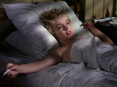 Marilyn in bed Niagara promo shot