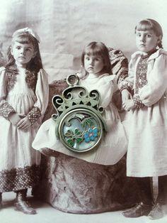 Victorian silver enamel spinner fob