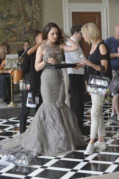 Behind The Scenes - Revenge Madeleine Stowe, Revenge Tv Show, Black Dress Red Carpet, Victoria Grayson, Classic Actresses, Beautiful Actresses, Celebs, Celebrities, Celebrity