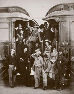 In foto: Turisti inglesi in partenza per un tour nel paese, 1876