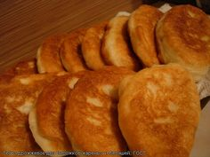 Настоящие! Вкусные! Остановиться невозможно!!! Признаться, я и не помню когда последний раз кушала жареные пирожки, но вкус помню отчетливо. А вот с чего все…