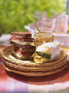 Sandwichs au rôti de boeuf, à la salade de chou et au raifort Recettes | Ricardo