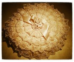 our beautiful pillows.. 100% made in italy .. 100% hand made! Follow us on etsy or ebay : https://www.etsy.com/it/shop/CeraunavoltaITALY?ref=si_shop  http://www.ebay.it/itm/tris-CENTRINI-MACRAMe-3-pezzi-camera-da-letto-centrotavola-centerpieces-doilies-/251416156076?pt=Accessori_per_la_Tavola&hash=item3a899217ac
