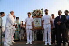 Ο Πειραιάς υποδέχθηκε την Παναγία της Παναχράντου και την Κάρα του Αγίου Παντελεήμονος (ΦΩΤΟ)
