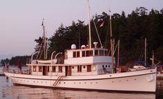 Big Yachts, Super Yachts, Luxury Yachts, Riva Boat, Yacht Boat, Yacht Club, Sport Fishing, Fishing Boats, Classic Wooden Boats