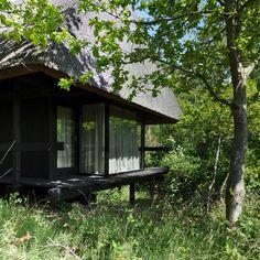 Vernacular Architecture, Landscape Architecture Design, Modern Architecture, Cabana, Mid Century Exterior, Japanese House, Maine House, Decoration, Outdoor Gardens