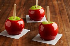 Watch this cooking video to see how to easily make Candy Apples at home! Why wait for the state fair when you have this charming Candy Apples recipe? Kraft Foods, Kraft Recipes, Apple Dessert Recipes, Apple Crisp Recipes, Delicious Desserts, Fruit Dessert, Dessert Bars, Taffy Apple Salad, Apple Dip