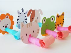 Animal Party Blowers by Monica Alvarez Paper Crafts For Kids, Diy For Kids, Diy And Crafts, Diy Party Poppers, Party Blowers, Safari Party, Animal Birthday, Animal Party, Party Time