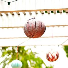 Homemade-Paper-Lanterns  So simple and easy, this DIY is definitely making its way to my wedding decor