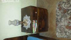 Prodám starou ložnici. Skříň, noční stolky,zrcadlo a - obrázek číslo 5
