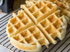This Classic Waffle Recipe makes perfectly crisp waffles with fluffy insides that are to die for! Small Batch Waffle Recipe, Waffle Recipe No Milk, Homemade Waffle Mix, Waffle Mix Recipes, Classic Waffle Recipe, Easy Waffle Recipe, Homemade Waffles, Waffles For Two Recipe, Pancake Recipes