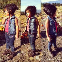 Little girl haircut and outfit Little Girl Fashion, Kids Fashion, Toddler Fashion, Melena Bob, Little Girl Haircuts, Kids Cuts, Cute Cuts, Julia, Stylish Kids