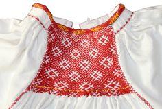 MET - partener de proiect - reconstituirea portului tradițional | Muzeul Etnografic al Transilvaniei Folk Clothing, Traditional Fashion, Crochet Top, Diy And Crafts, Textiles, Costumes, Blouse, Album, Folklore