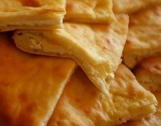 Χατζαπούρι: η γεωργιανή τυρόπιτα Chef Recipes, Greek Recipes, My Recipes, Snack Recipes, Cooking Recipes, Snacks, Recipies, Cyprus Food, Greek Pastries