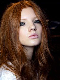 Mooie koperkleur @ Blugirl s/s 2014 - Dé haarkleur van het jaar: 15 tinten koper