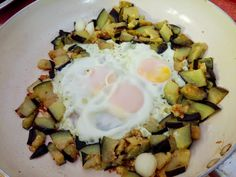 Tojásgyümölcs tojással (padlizsános tojás)