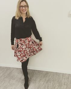 Day 3 #livingthegreen outfit: Witchery blouse and Cue skirt (one of my faves) both from autumn 2015, Pepe Jeans glasses (I've had these frames since 2011), Spanx tights, and Italian boots bought in 2012. #sunonmyparade