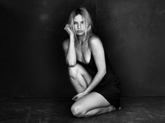 Teisha - © Peter Coulson 2016 Photographer Peter Coulson Model: Teisha Lighting: Window Light
