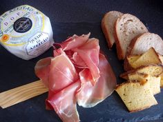 Now everyone can have Portuguese tasty weekends at home #Azeitao #cheese #presunto #iberianham