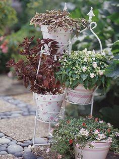 35 Cool Vintage-Looking Garden Pots