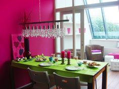 8 Bold Color Combos that Brighten Any Room~~Take a look. #design #home deco #DIY