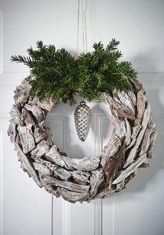 Beachwood winter wreathe