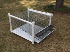 Stackable quail cage.