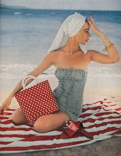 Plenty of playful patterns at the beach, 1954. #vintage #fashion #summer #1950s